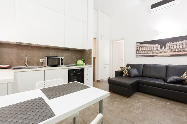 Living area with kitchenette, air-cond, wi-fi