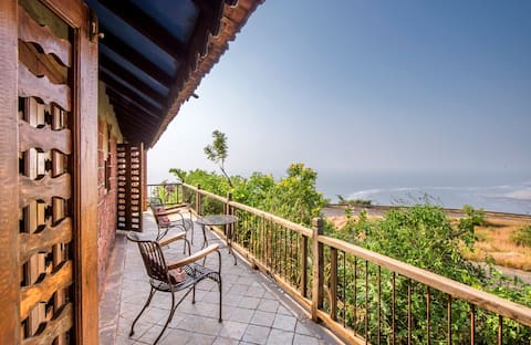 Bakul & Aboli - Pet Friendly Cottage with Sea View