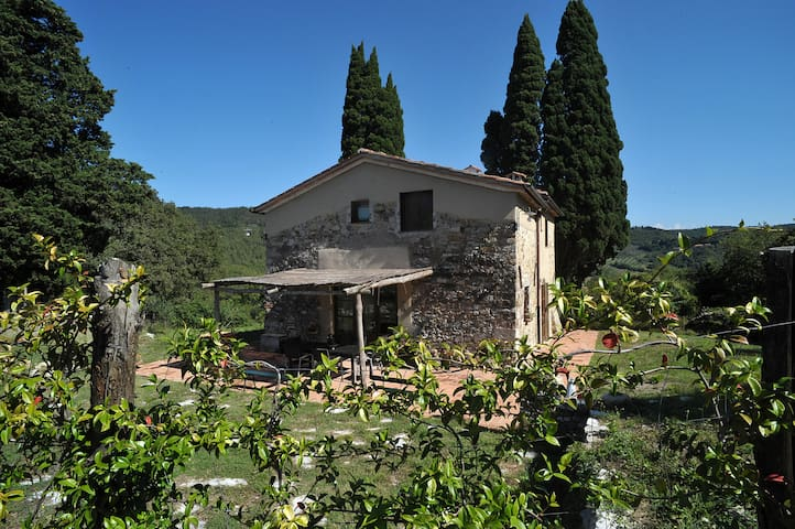 Farmhouse 30 min from Florence  - Calenzano - วิลล่า