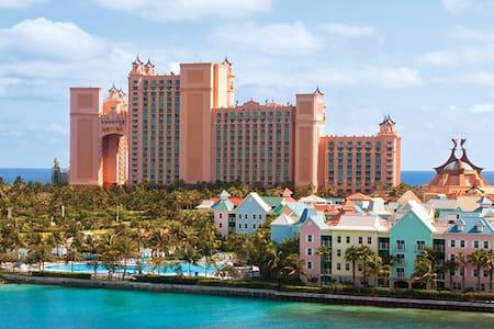 1 Bedroom Villa-Harborside Atlantis - Nassau