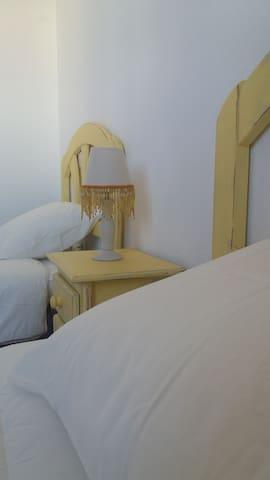 Caleta de Fuste Relax cuenta con un segundo dormitorio equipado con dos camas individuales.