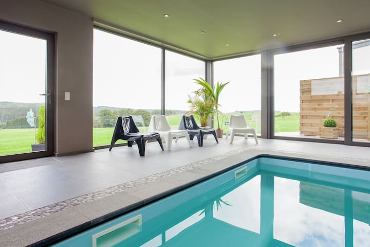Gorgeous Holiday Home with Indoor Pool in Tenneville