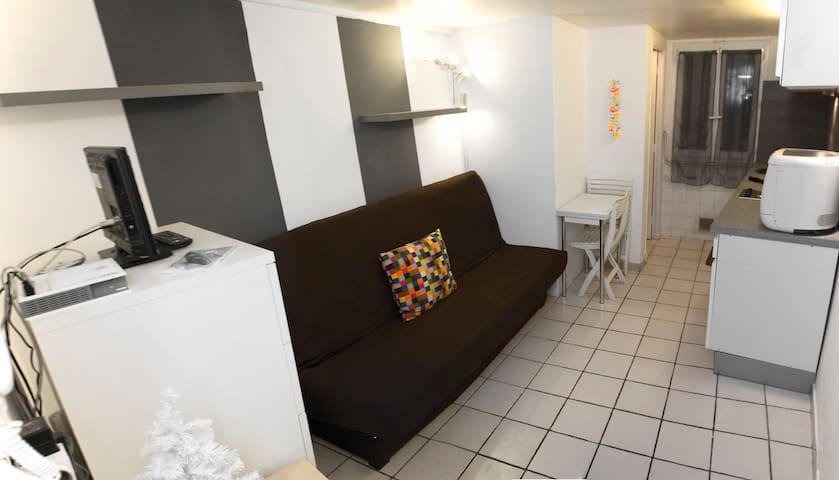 Cozy studio in Vieux Nice.