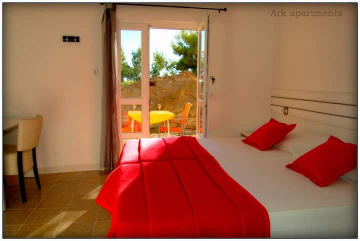 """Ark """"Octopussy"""" Double Room by the Beach"""
