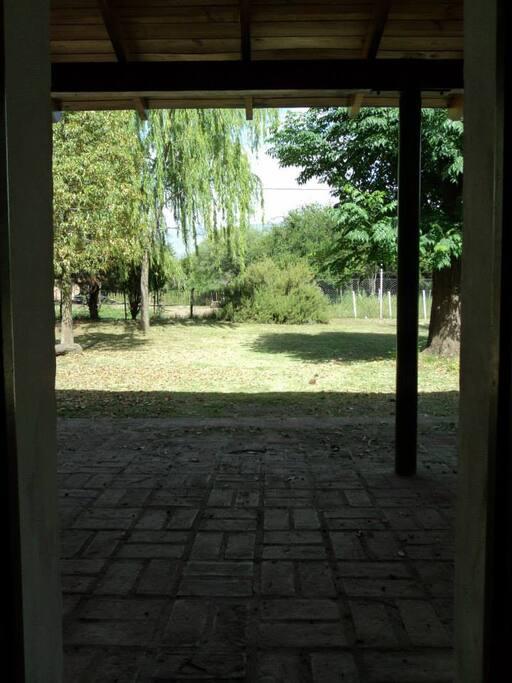 La vista desde la puerta.-
