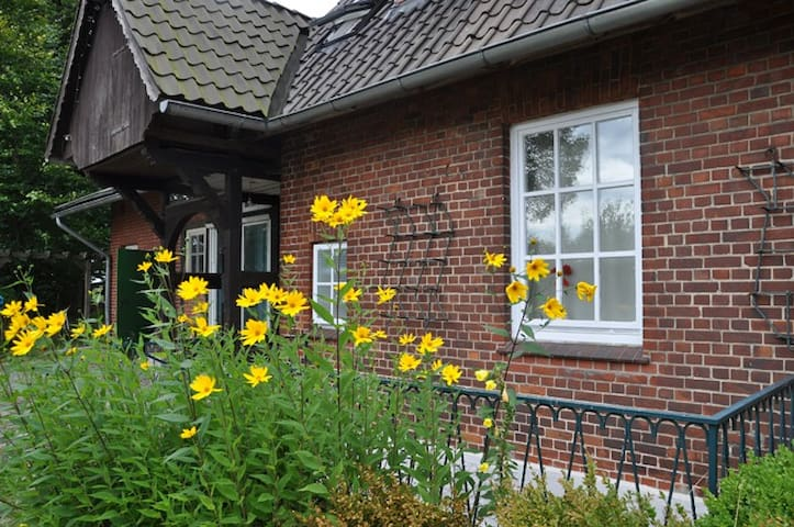 Großzügige Wohnung für Heide-Ferien - Bispingen - Apartamento