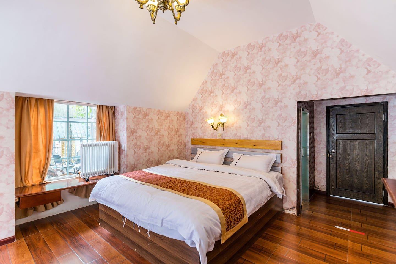 独栋大床房