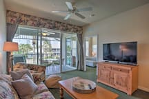 The pond-facing 2BR, 2-bath vacation rental condo accommodates 6 guests.