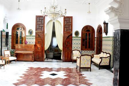 Riad Dar Achaach - tetouan - Bed & Breakfast