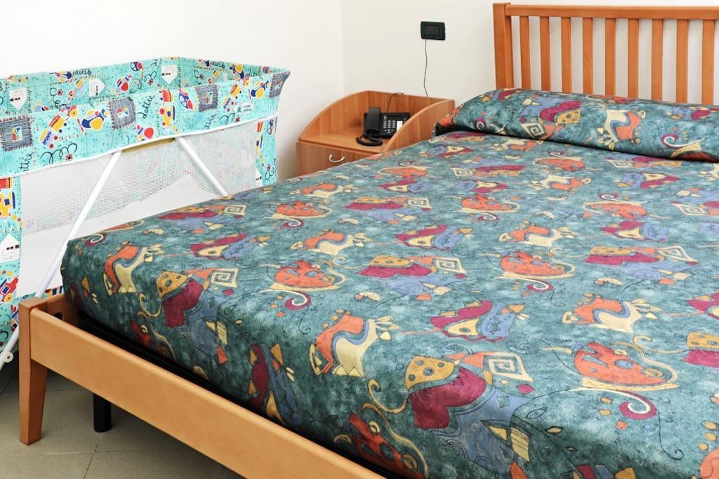 camera da letto e letto per bimbi