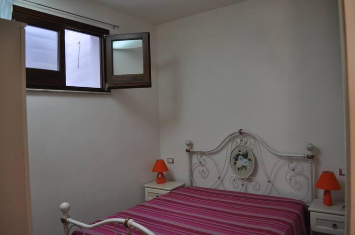 Letto MAtrimoniale Appartamento Cantina Vito