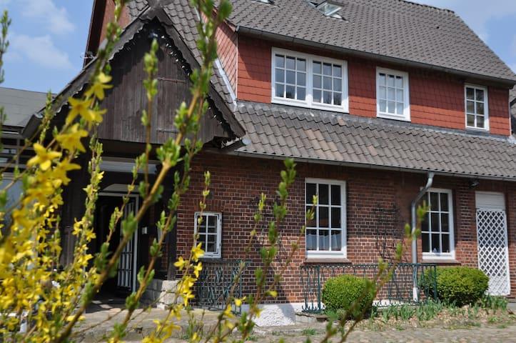 Großes Haus mit Garten vor Hamburg - Bispingen - Dům