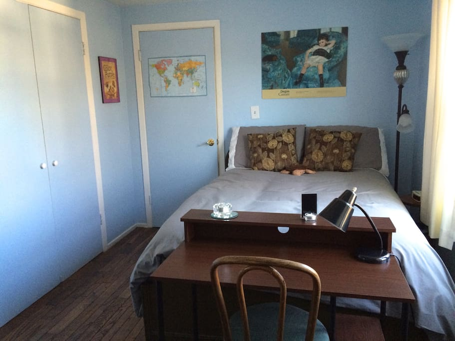 Beautiful cozy room with large closet, chest, cable TV, desk, Internet with a  beautiful view.