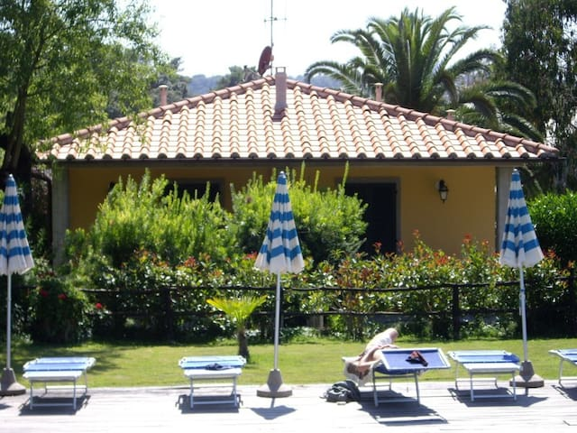 Villa 4 beds with Pool and Park