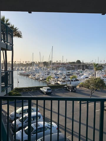 Cozy and Elegant Beach Condo in Oxnard