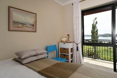 Bay View Room-WHY Retreat - Whangarei Heads