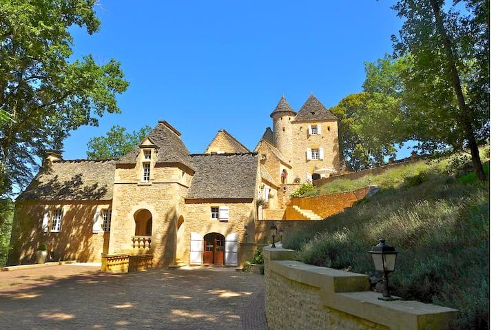 Château La Carrière, 5 star luxury retreat on 28ha