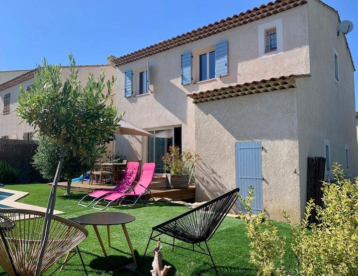 Maison individuelle avec Piscine 6 personnes.