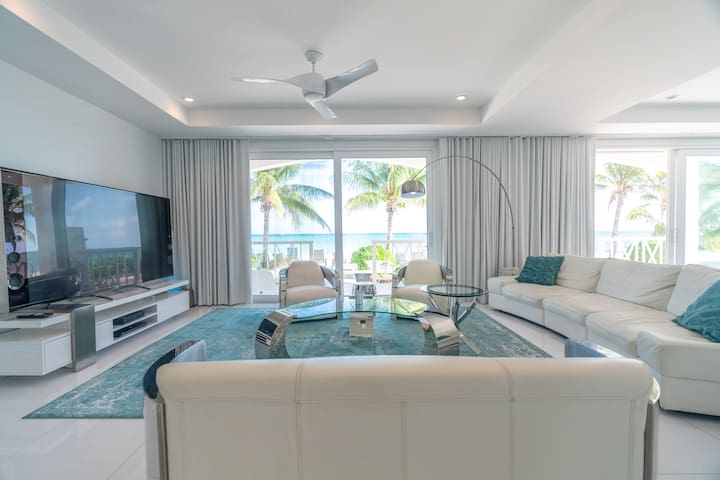 Beachfront Exclusive Luxury Villa, Private Beach