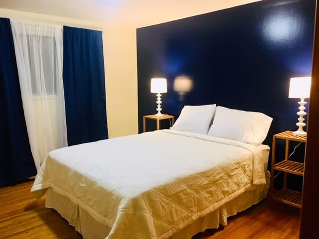 The Blue room includes a QUEEN size bed.   New mattress, new mattress pad, sheets and all bedding...