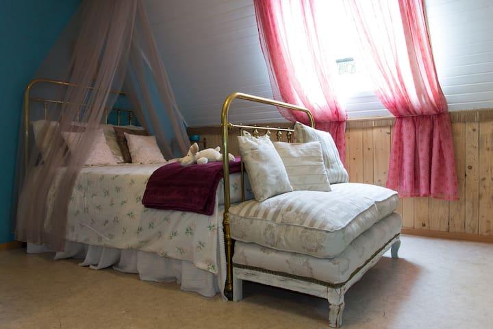 Romantische kamer in knus huisje dicht bij zee bed breakfast zur miete in zuienkerke 8377 - Romantische kamer ...