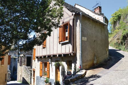 2 Bedrooms Cottage in Najac - Najac
