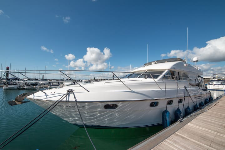 Luxury Yacht near Quay with Brownsea Island View - Poole - Vaixell