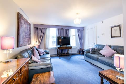 Superb central location close to Westminster