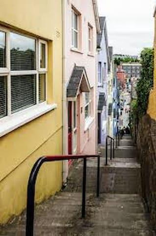 Kinsale, Ireland - คินเซล - บ้าน