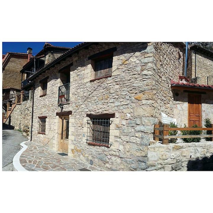 Casa en Valdelateja,Burgos.