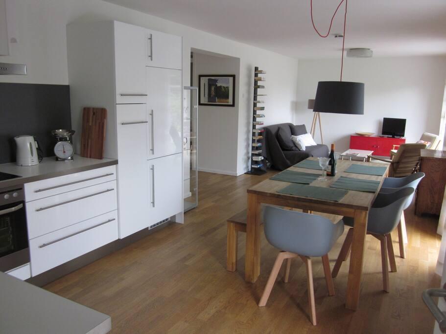 sch ne ferienwohnung mit garten wohnungen zur miete in aachen nordrhein westfalen deutschland. Black Bedroom Furniture Sets. Home Design Ideas