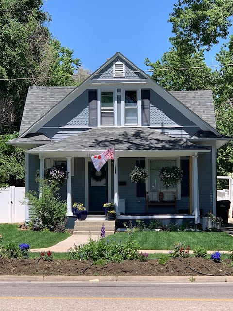 Victorian Home-Walk to Downtown or UNC