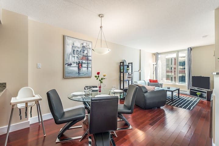 LUXURY Condo Old Montreal/Downtown