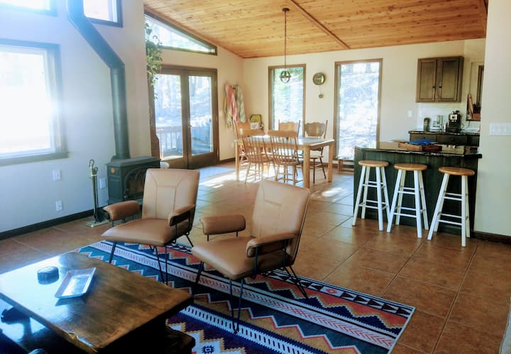 Rockies Getaway Cabin