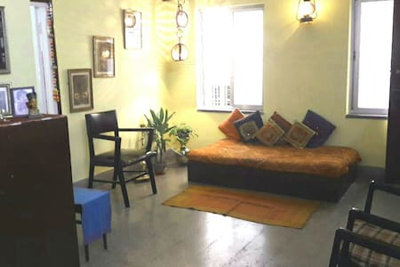 Comfortable 1 AC Private Room@New Alipore, Kolkata