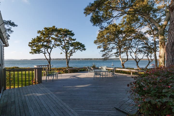Cape Cod  6 Bedroom Beachfront Family Paradise