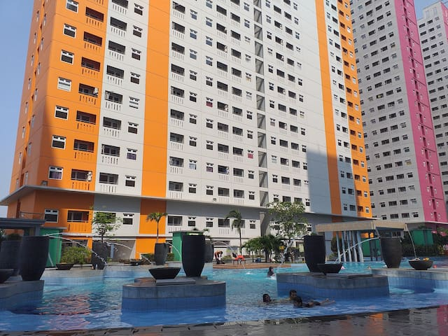 Homy&Cozy 2BR Green Pramuka Apartment
