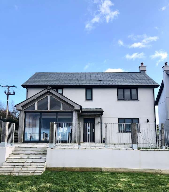 Modern family home in the centre of Cornwall