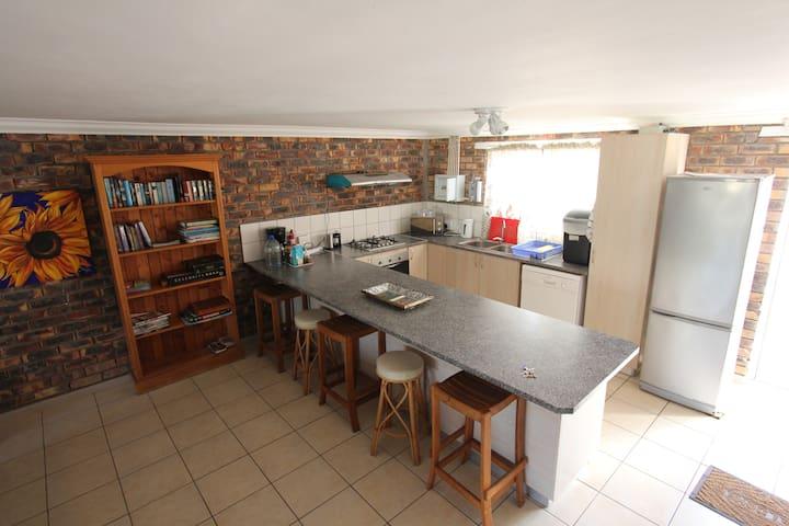 Full kitchen no.8