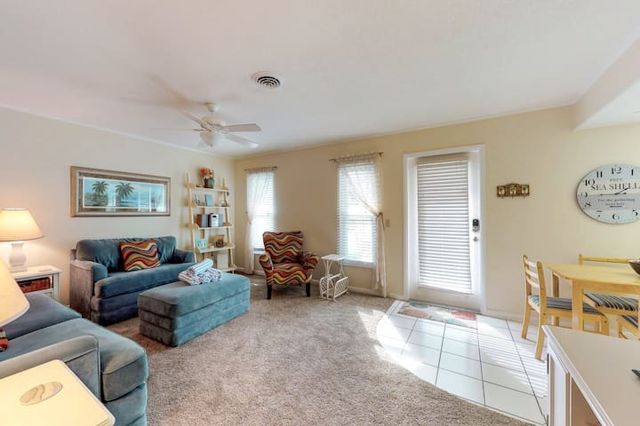 Comfortable condo near the beach w/ patio, grill and shared heated pool