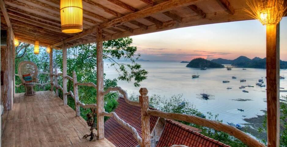 Sea View Room SElini 2 Adult Villa Labuan Bajo