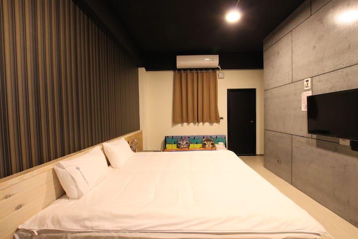 Riders - Youth Hostel_American Loft Double Room - Ji'an Township - Bed & Breakfast