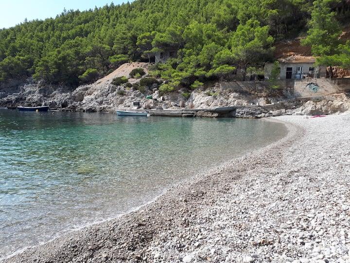 Marijana-the middle of the island