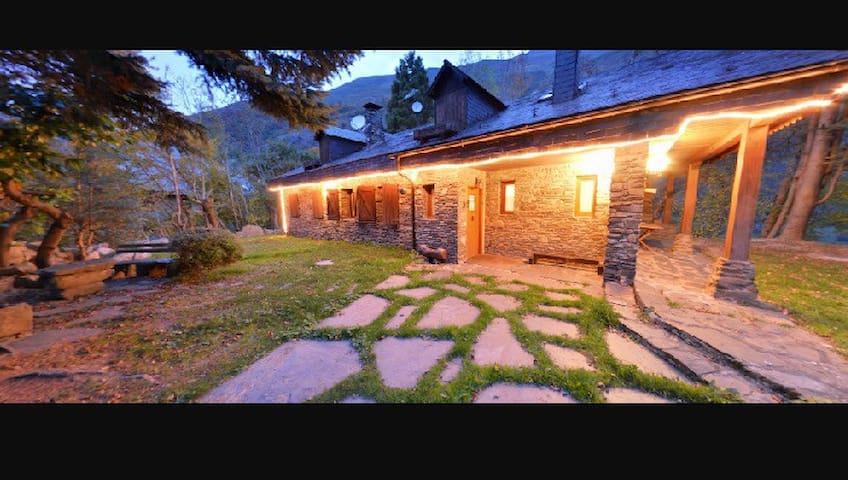 Prat des Artigues, casa Valle Aran