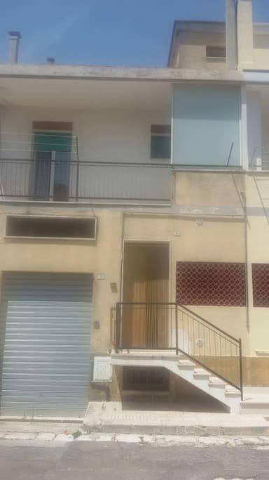 Entrata principale / Entrance