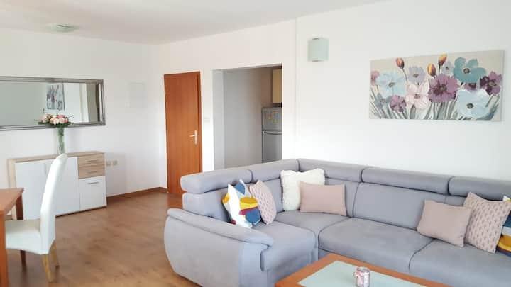 Seaview apartment (2+2) - Kaštela