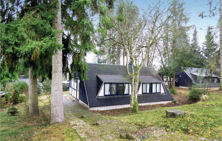 Stunning home in Gerolstein with 3 Bedrooms and Indoor swimming pool