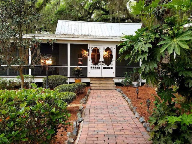The Cottage at Grand Oaks Plantation
