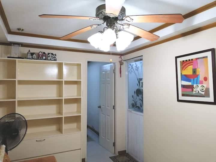 A cozy condo living at the heart of Las Piñas