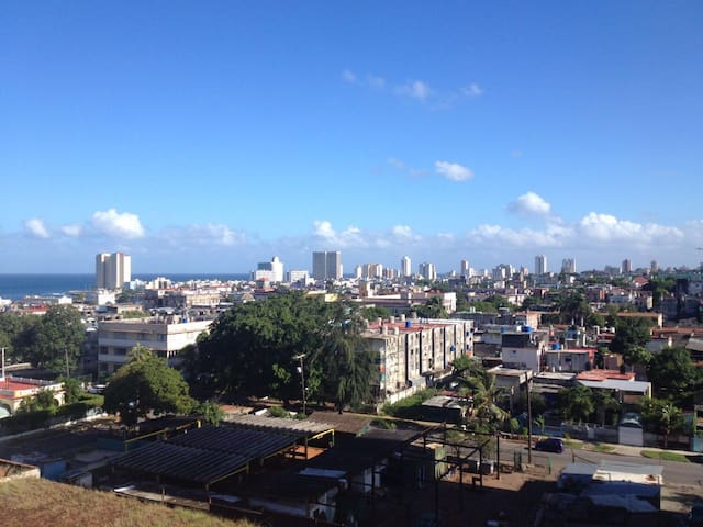 Apartment with nice views in El Vedado